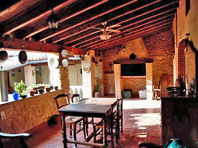Els horts de palomar rural accommodation in the province - Terrazas con barbacoa ...